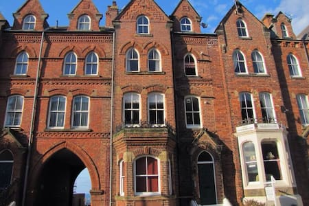 Whitby, beautiful 1 bedroom flat - Apartment