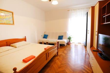 Bright apartment in center of Zadar - Zara