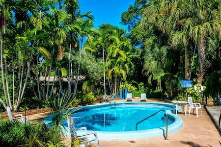 2BR 2 Bath Tropical Getaway - Fort Lauderdale - Wohnung