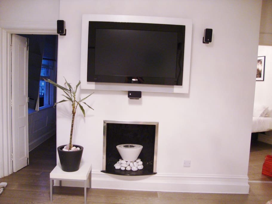tv and bedroom entrances