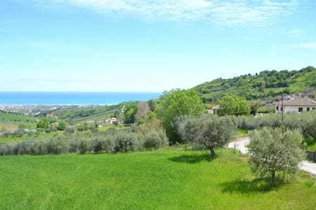 In the stunning beauty of italian hills, 2 steps from the sea, 2 steps from mountain... if you want to spend your holidays at the sea or visiting the medieval cities all around, this romantic and landscaping studio is waiting 4 u!