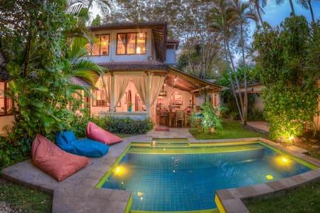 5 bdroom/4Bth Villa,Seminyak Beach! - Denpasar - Villa