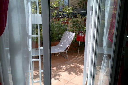Cute room penthouse + private bathr - Aamiaismajoitus