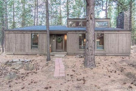 Cabin in Sunriver - 단독주택