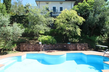 Holiday Villa with Sea View & Pool - Massa - Villa