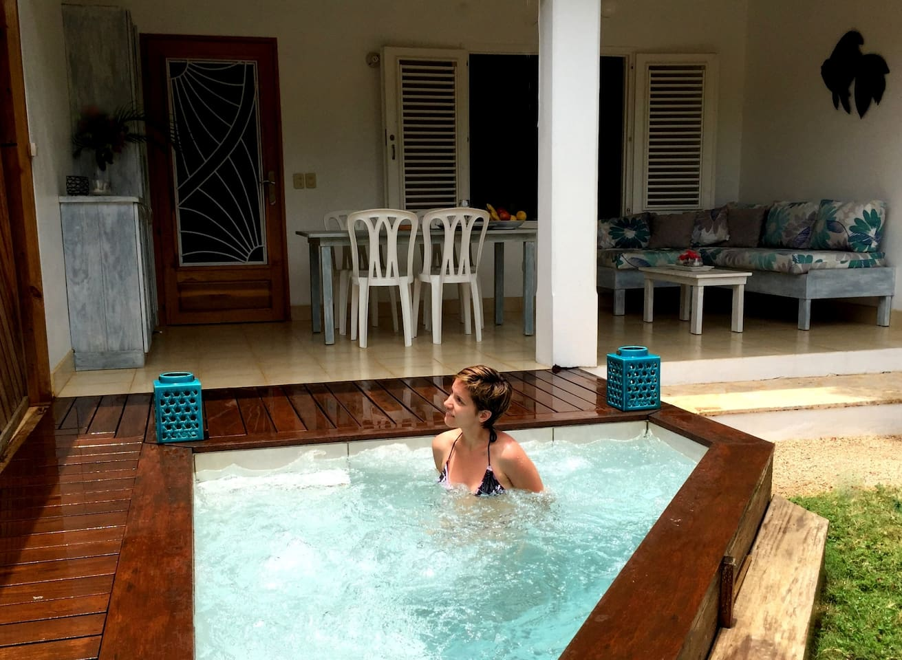 Profitez du jacuzzi privé au retour de la plage .  Enjoy the private jacuzzi after the  beach