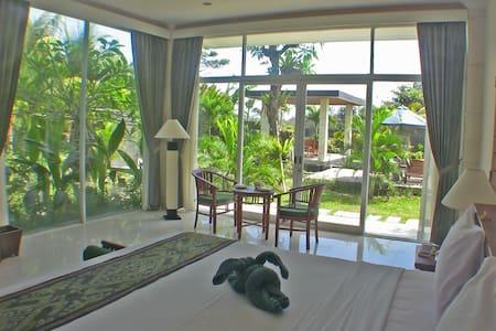 Promo Villa Beachside R4 Gardenview - ketewel - 別荘