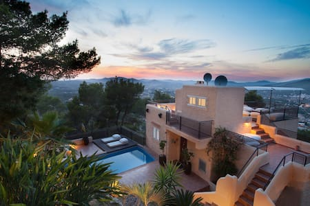 ROOMS IN VILLA WITH A STUNNING SEA VIEW - Siesta