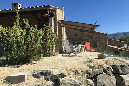 Maison en pierre, Drome Provençale - Sainte-Jalle - Dom