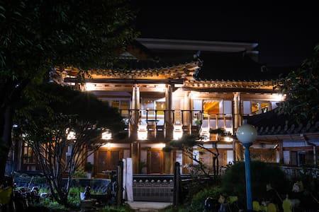 전주한옥마을 라온한옥꿀잠 - 진달래 - Wansan-gu, Jeonju - Guesthouse