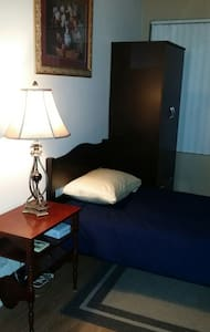 Cozy, warm, feel at home space! - North Hollywood - Apartment