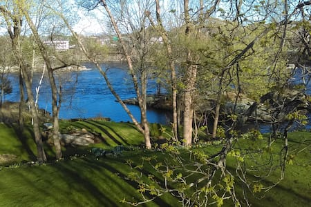 Squeaky clean lodging on Androscoggin River - Teljes emelet
