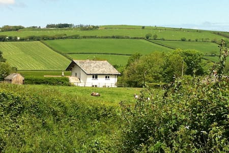 Need peace in a Cornish valley? - Maison