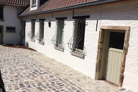 Boerderijtje/farmhouse - Ninove - House