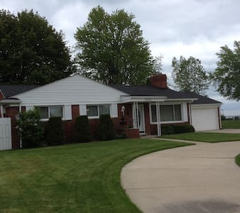 Home on Lake St Clair - Harrison charter Township - House