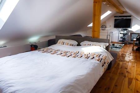Luxury 2 Bedroom Apartment Ardennes - Lakás