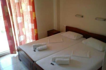 Ξενοδοχειο 'ΕΥΑΓΓΕΛΙΑ' - Bed & Breakfast