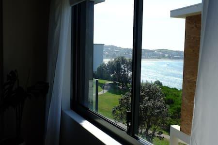 Single room with ocean views in South Bondi Beach - Bondi