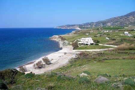Villa Akrotiri – the Aegean view - Willa