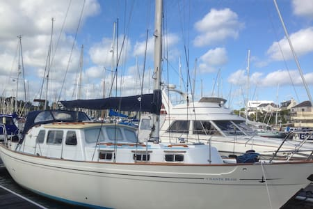 Classic 38f Yacht - Falmouth - Boat