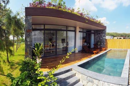 Fantastic Villa in Flamingo Dai Lai Resort - Villa