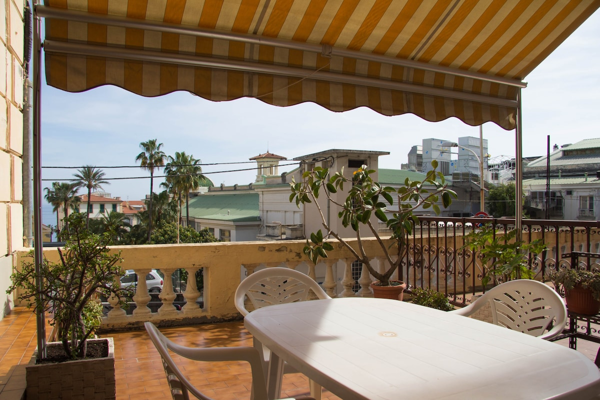 Apartments in San Remo on the beach