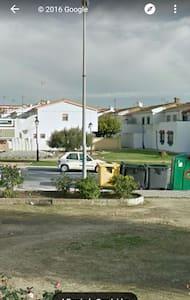 Alquilo habitaciones - Los Barrios