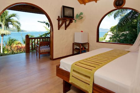 COLIBRI STANDARD ROOM - Bed & Breakfast
