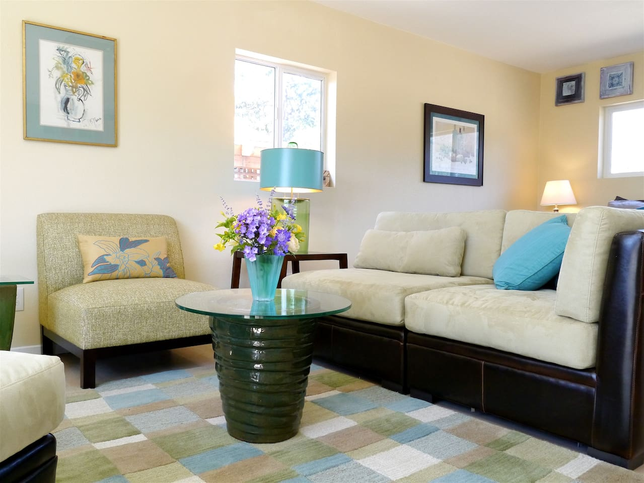The Happy Hound Cottage: fresh, clean, new, private get away for two.