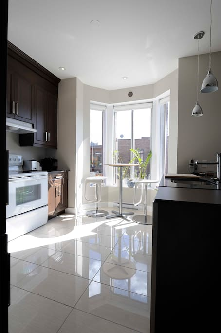 Spacious and sunny kitchen