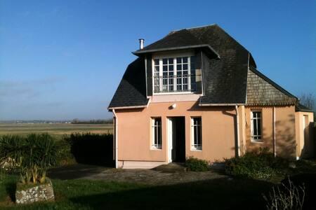 Maison au bord de la Baie du Mont-Saint-Michel - Céaux