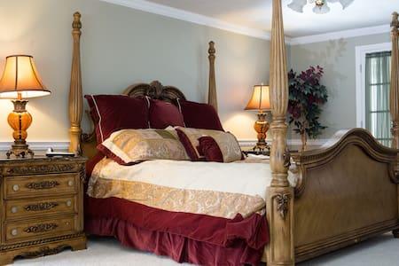 The Grand Estate-Bonita Susanna - Bed & Breakfast