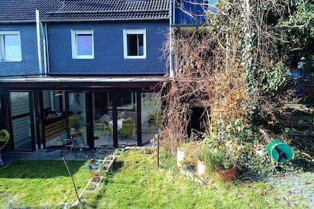 Schönes renoviertes Reihenhaus - Casa
