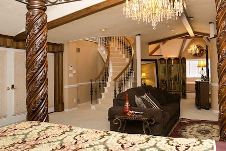The Grand Estate-Margherita Ann - Freeport - Bed & Breakfast