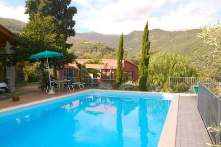 alloggio con piscina - Dolcedo