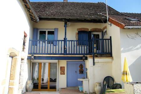 LE BIOUMONAIS - Beaumont-sur-Grosne - Hus