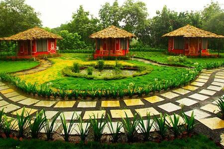 Dorms at Organic Resort in Alibag near mountain. - Kollégium