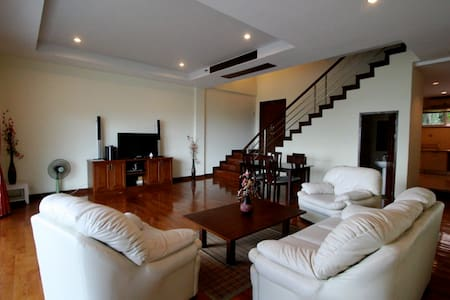 3 Bedroom townhouse on Kata hill