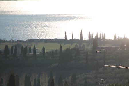 rustico sulle colline del Lago di Garda-Bardolino - House