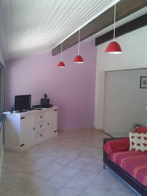 Room in Muscat wineyards