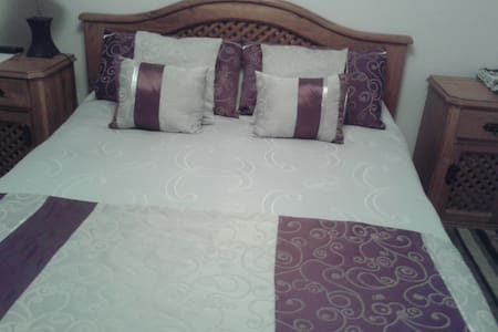 Bed and Breakfast near SCL airport  - House