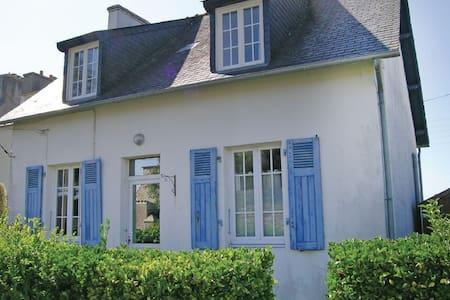 3 Bedrooms Home in Brignogan-Plage - Huis
