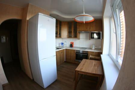 Уютная квартира рядом с метро - Lägenhet