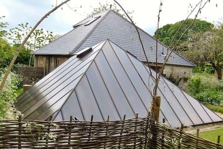 Artistic rural retreat in Cotswolds - Spelsbury - House