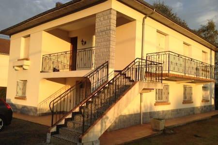 Grande maison individuelle - Maison