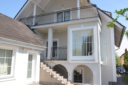 """Villa Ladver (Apartments 2 """"Csoki"""") - Hévíz"""