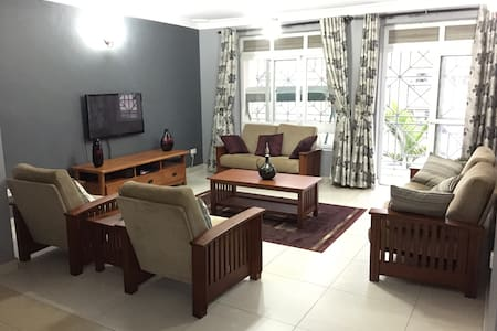 Sunny Restive Space - Kampala - Appartement