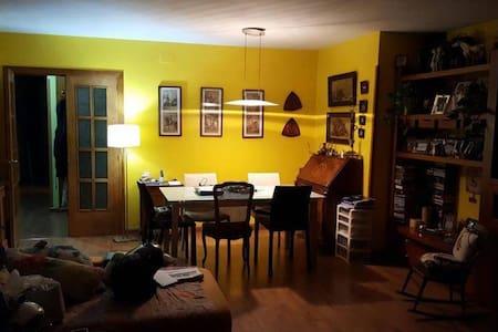 Habitación en Igualada totalmente equipada - Pis