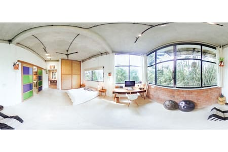 Artist Apartment with Panoramic Jungle View - Ubud