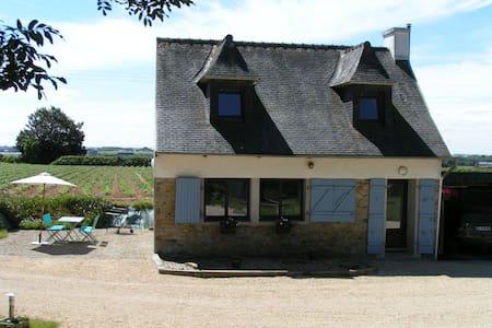 Gîte à Plouénan, situé entre Roscoff et Carantec - Huis